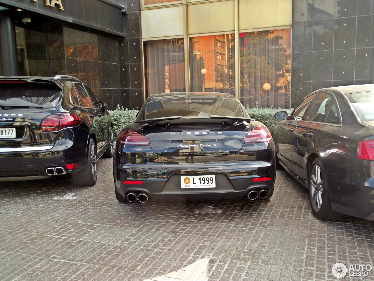 Porsche Panamera Turbo S Executive Mkii 17 May 2014