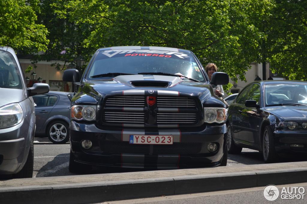 Dodge RAM SRT-10 Quad-Cab Night Runner 6