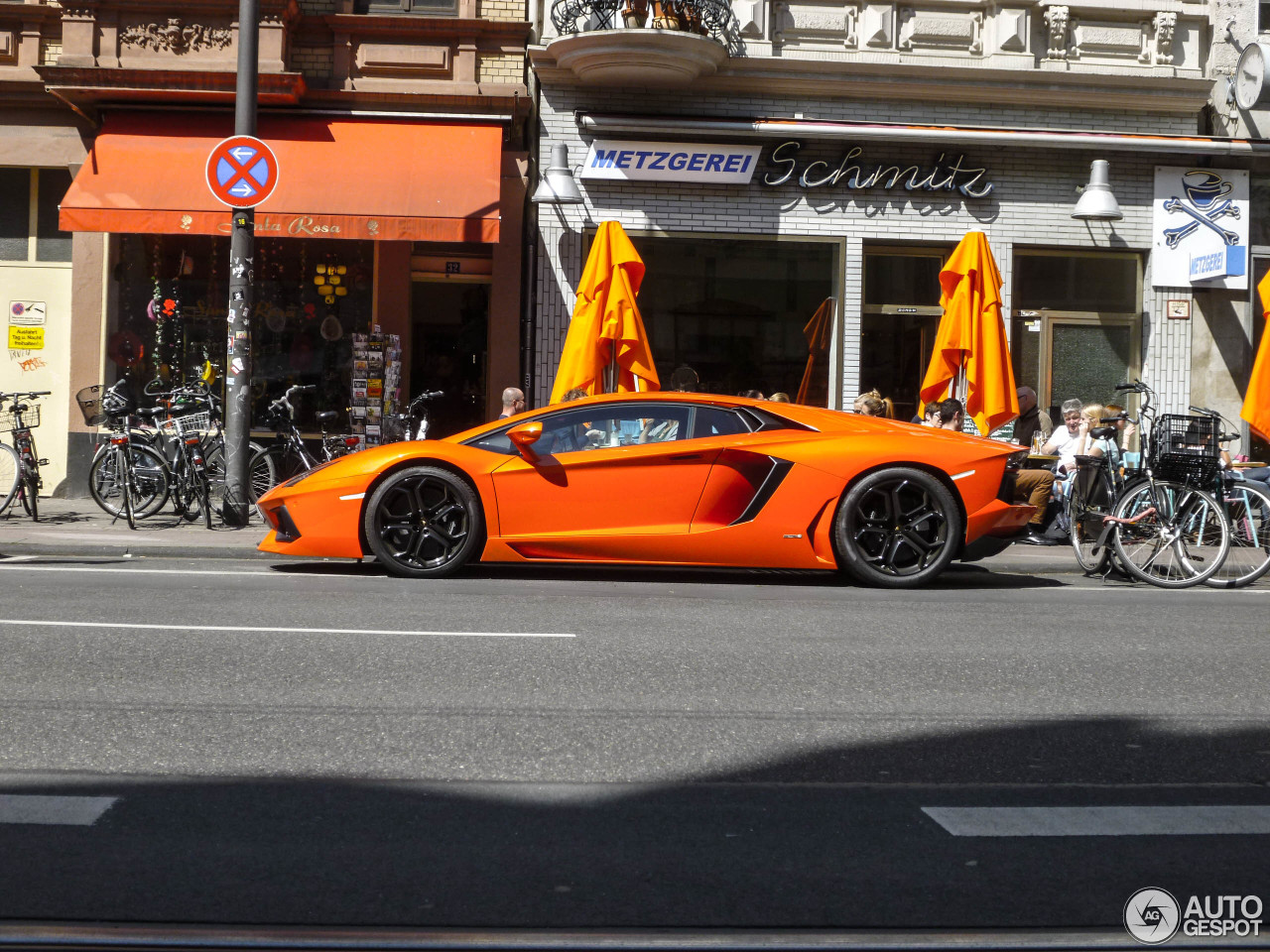 Lamborghini Aventador LP700-4 7