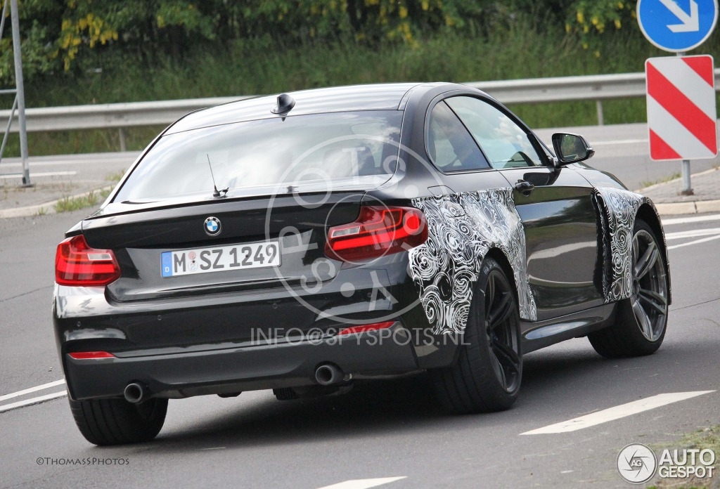 bmw m2 coup f87 21 may 2014 autogespot. Black Bedroom Furniture Sets. Home Design Ideas