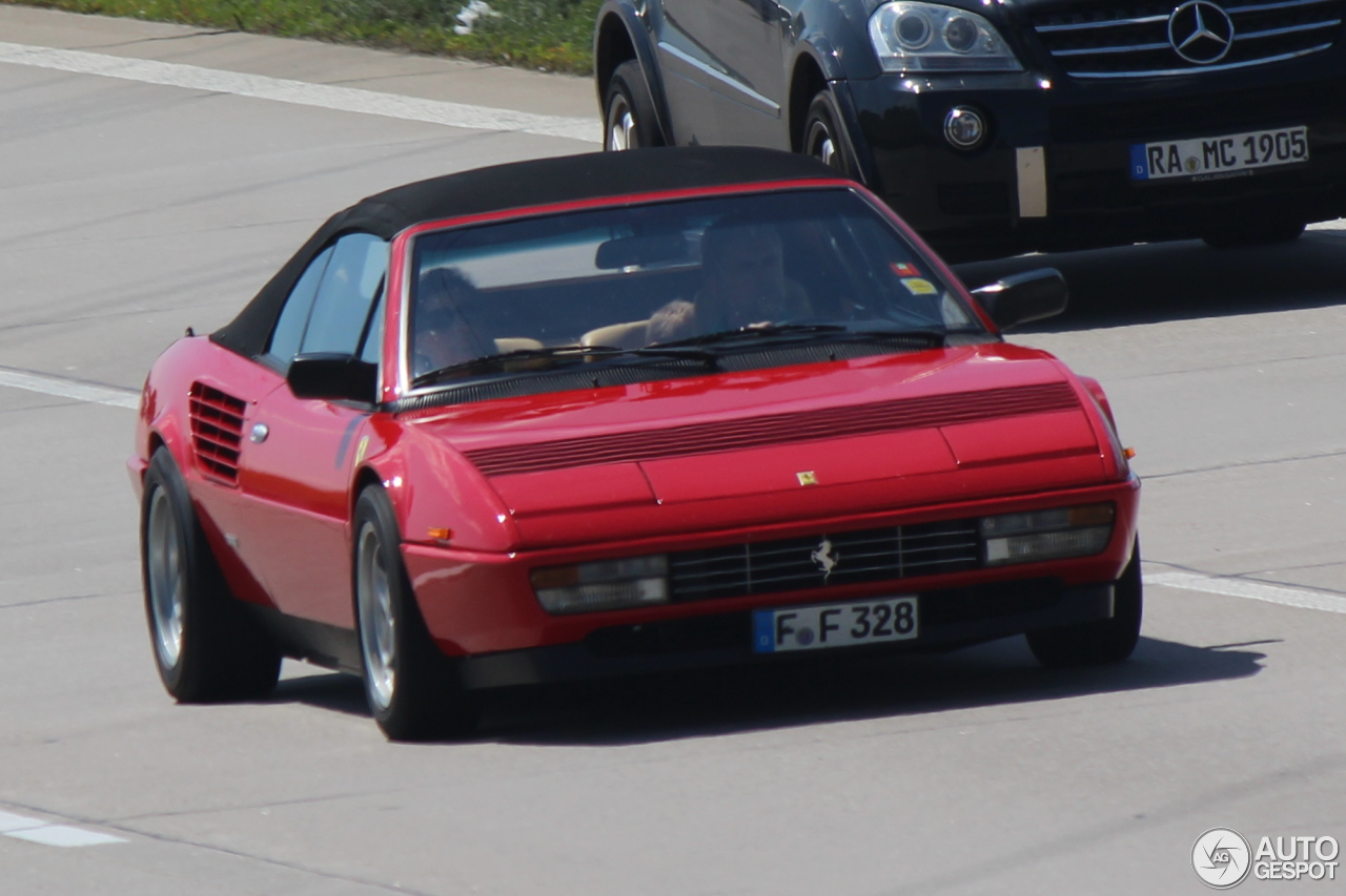 ferrari mondial 3 2 cabriolet 21 mai 2014 autogespot. Black Bedroom Furniture Sets. Home Design Ideas