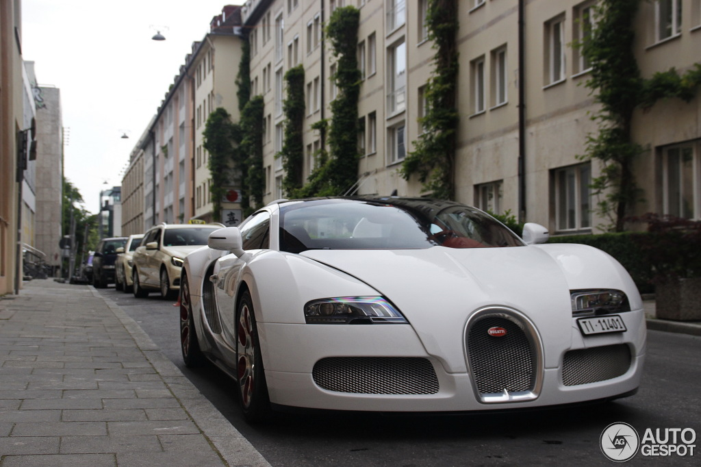 bugatti veyron 16 4 grand sport wei long 2012 26 may 2014 autogespot. Black Bedroom Furniture Sets. Home Design Ideas