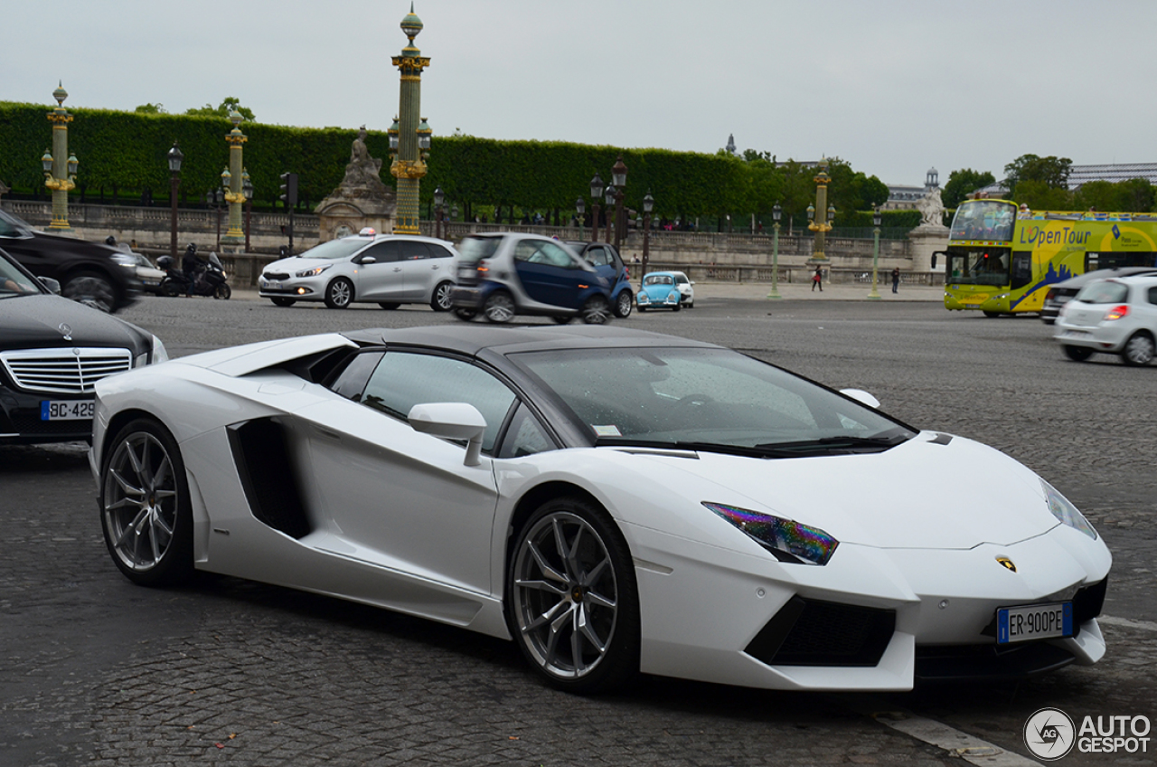 lamborghini aventador lp700 4 roadster 3 juin 2014 autogespot. Black Bedroom Furniture Sets. Home Design Ideas