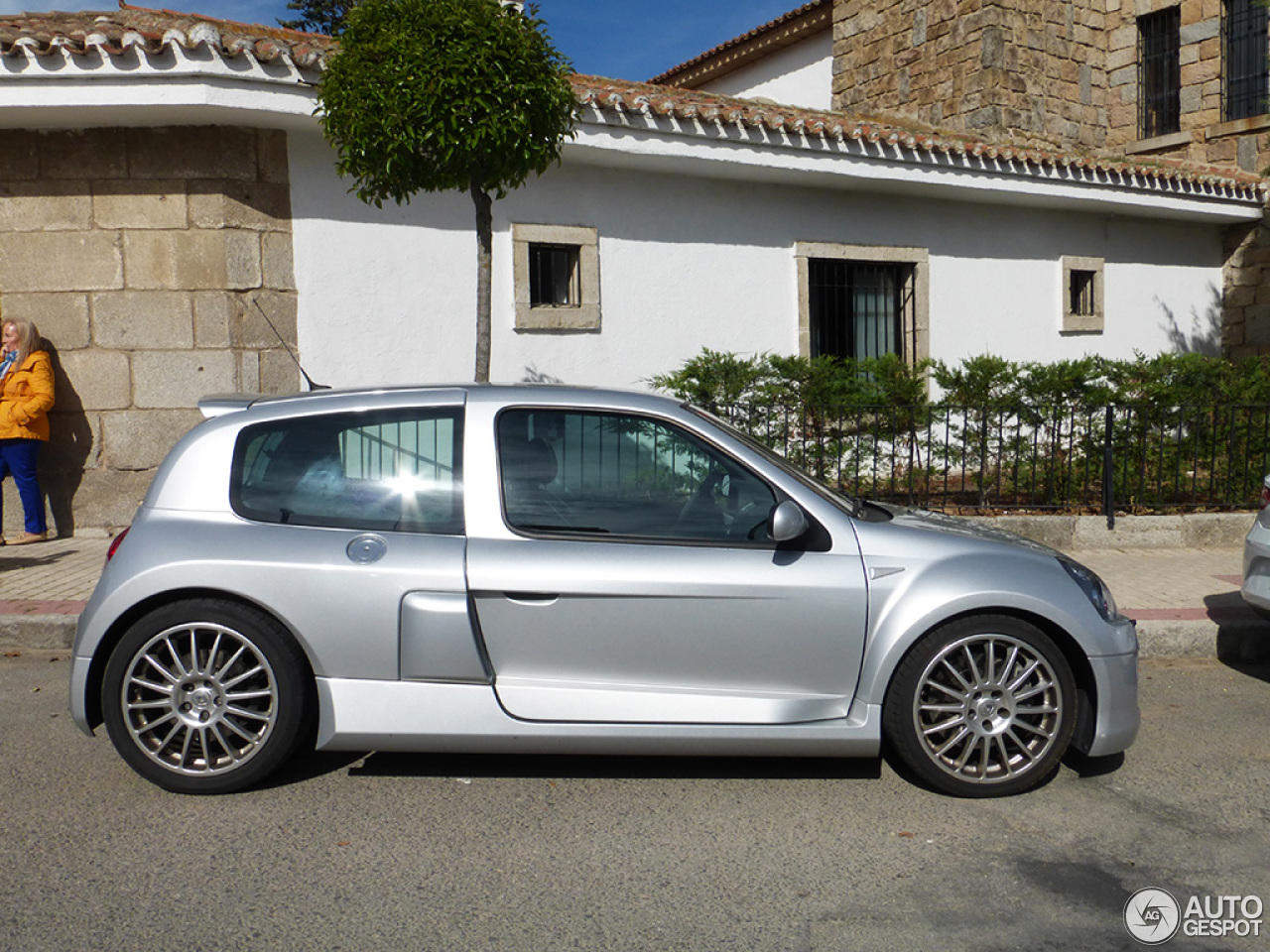 renault clio v6 phase ii 8 june 2014 autogespot. Black Bedroom Furniture Sets. Home Design Ideas