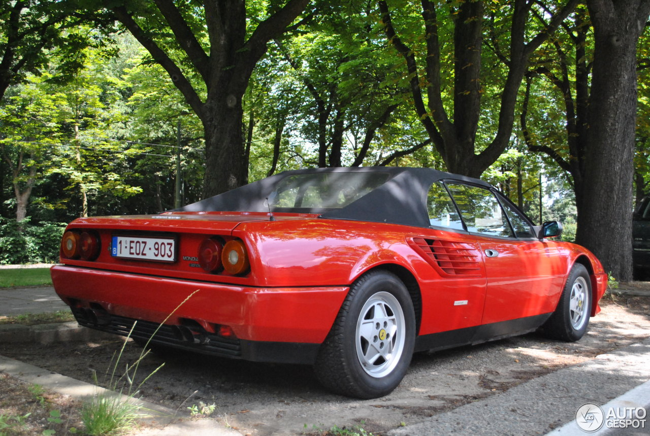 ferrari mondial 3 2 cabriolet 13 june 2014 autogespot. Black Bedroom Furniture Sets. Home Design Ideas