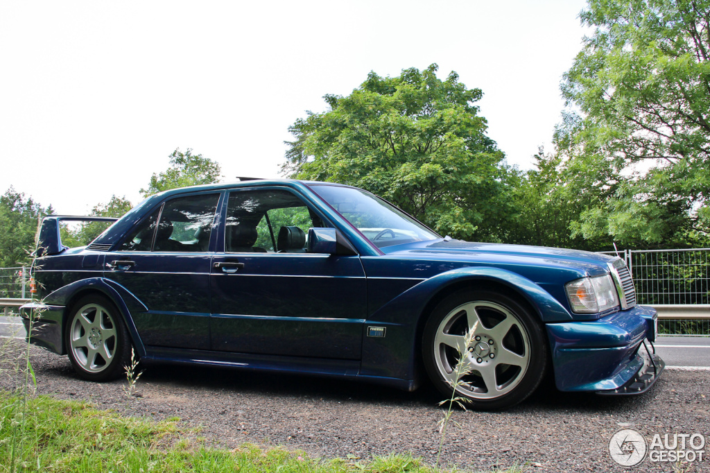 Mercedes benz 190e 2 5 16v evo ii 15 juin 2014 autogespot for Mercedes benz 190e 2 5 16 evolution ii for sale