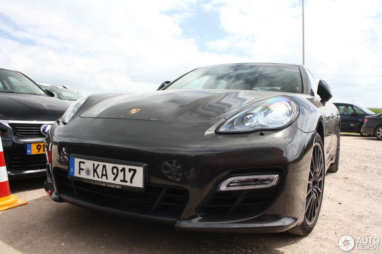 porsche panamera gts 15 june 2014 autogespot. Black Bedroom Furniture Sets. Home Design Ideas