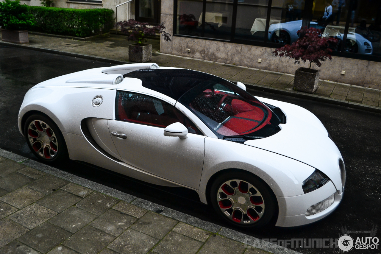 bugatti veyron 16 4 grand sport wei long 2012 17 june 2014 autogespot. Black Bedroom Furniture Sets. Home Design Ideas