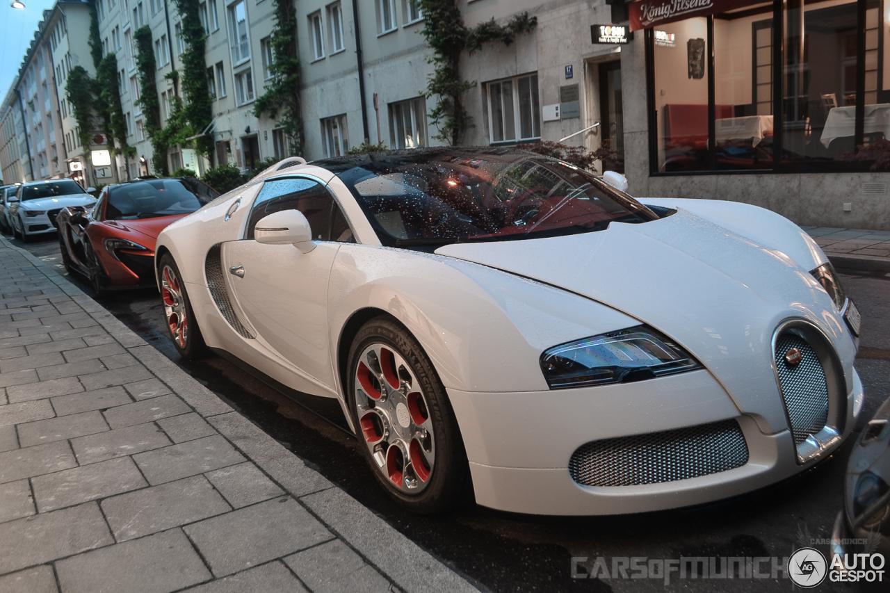 bugatti veyron 16 4 grand sport wei long 2012 17 june 2014 autogespot. Black Bedroom Furniture Sets. Home Design Ideas