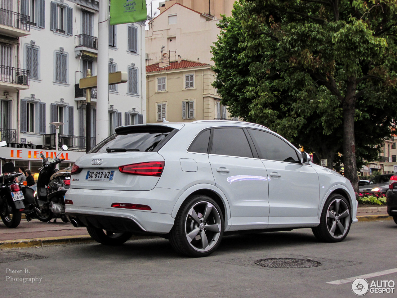 audi rs q3 20 june 2014 autogespot. Black Bedroom Furniture Sets. Home Design Ideas