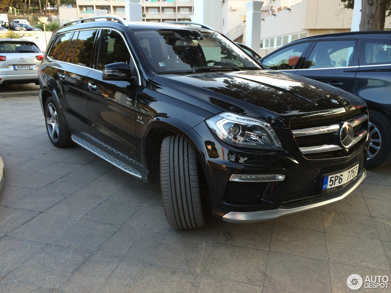 Mercedes benz gl 63 amg x166 23 czerwiec 2014 autogespot for Mercedes benz gls 63 amg