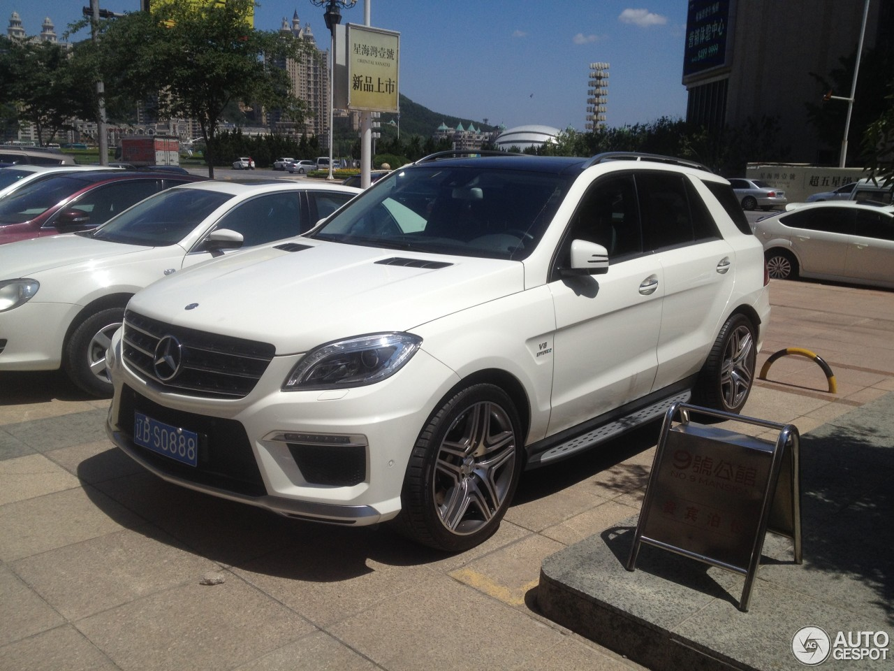 mercedes benz ml 63 amg w166 28 june 2014 autogespot. Black Bedroom Furniture Sets. Home Design Ideas