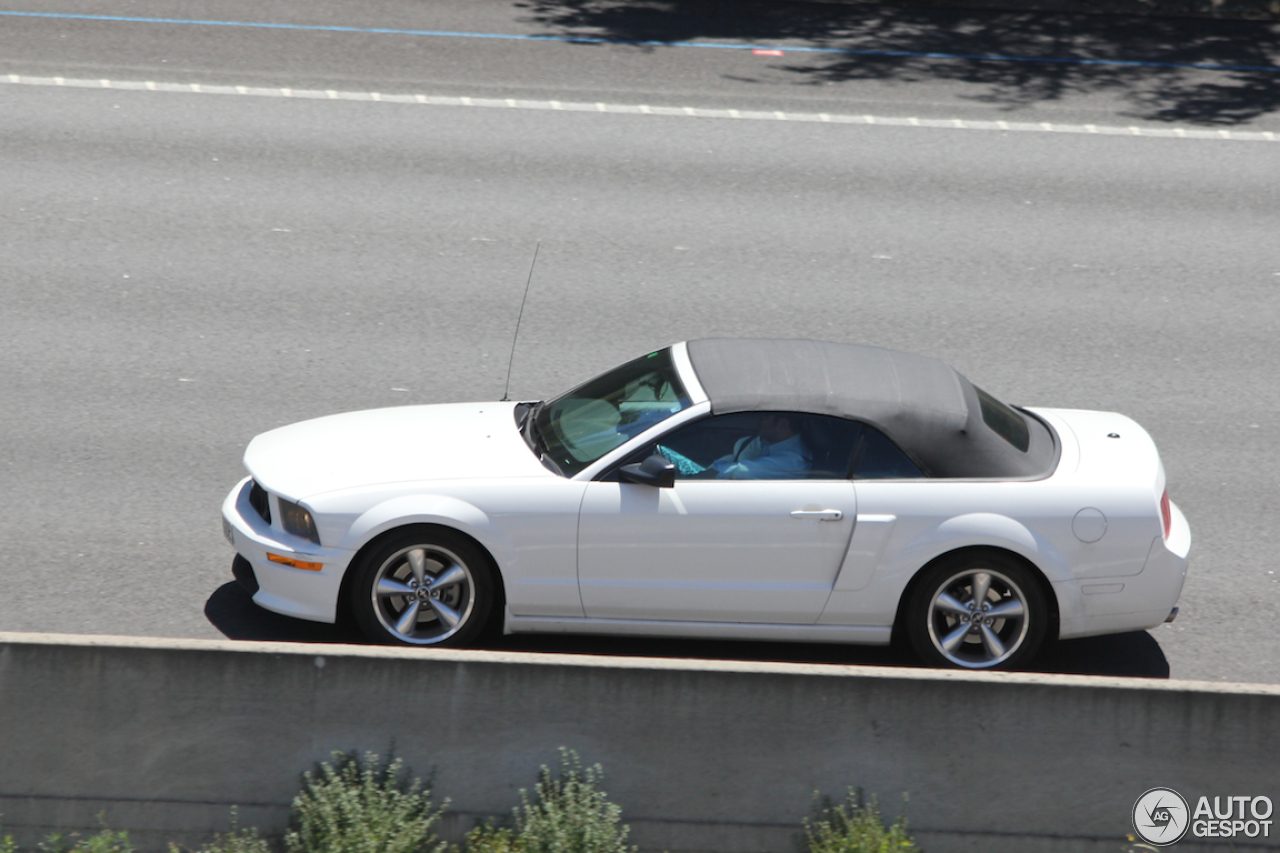 ford mustang gt california special convertible 5 julio 2014 autogespot. Black Bedroom Furniture Sets. Home Design Ideas