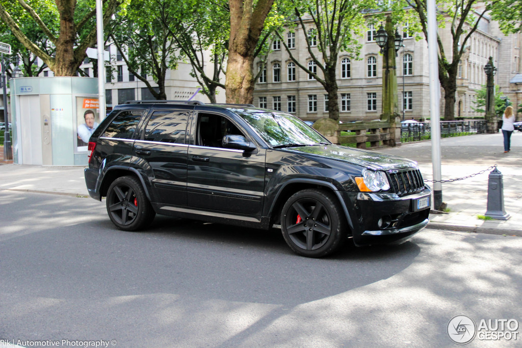 jeep grand cherokee srt 8 2005 5 july 2014 autogespot. Black Bedroom Furniture Sets. Home Design Ideas