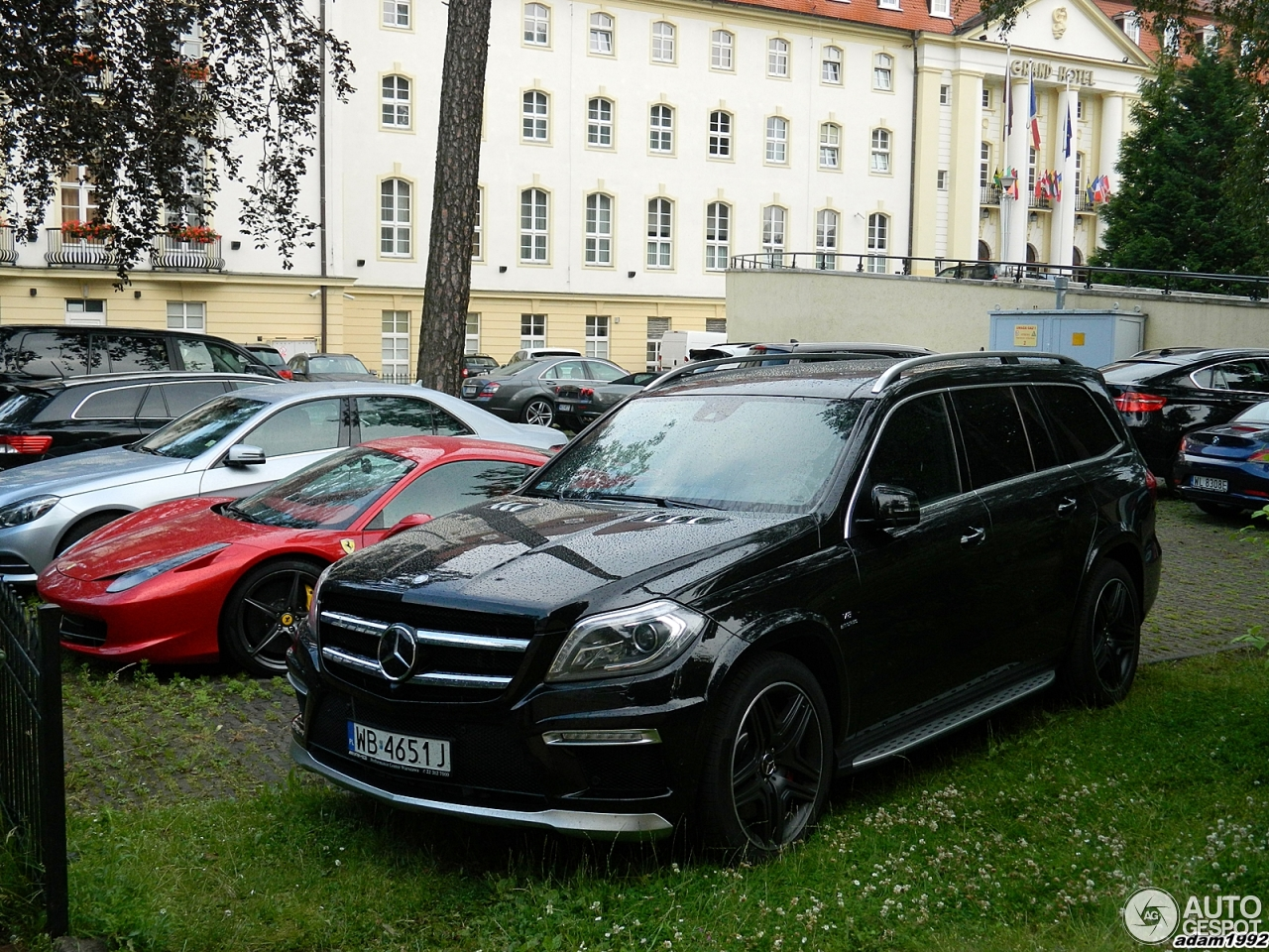 Mercedes benz gl 63 amg x166 9 july 2014 autogespot for Mercedes benz gls 2014