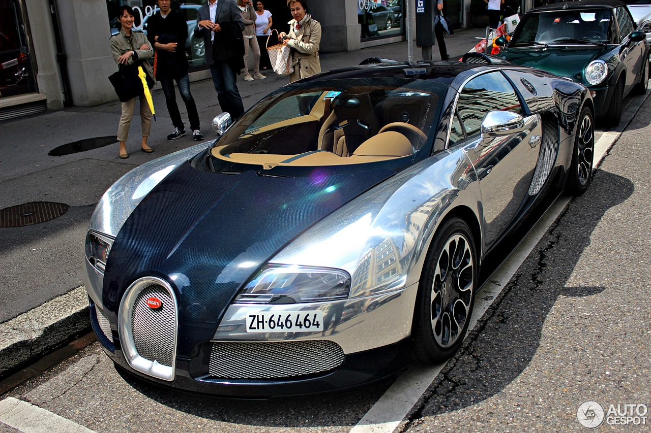 bugatti veyron 16 4 grand sport sang bleu 14 july 2014 autogespot. Black Bedroom Furniture Sets. Home Design Ideas
