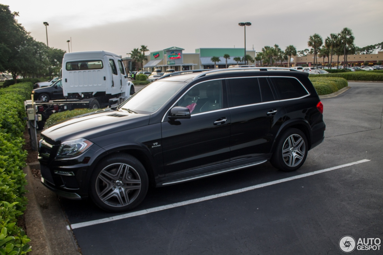 Mercedes benz gl 63 amg x166 14 july 2014 autogespot for 2014 mercedes benz gl
