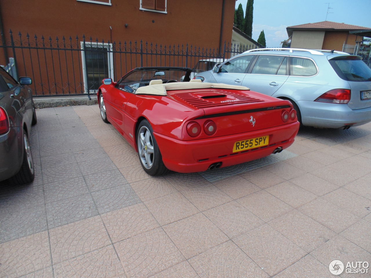 ferrari f355 spider 17 july 2014 autogespot. Black Bedroom Furniture Sets. Home Design Ideas