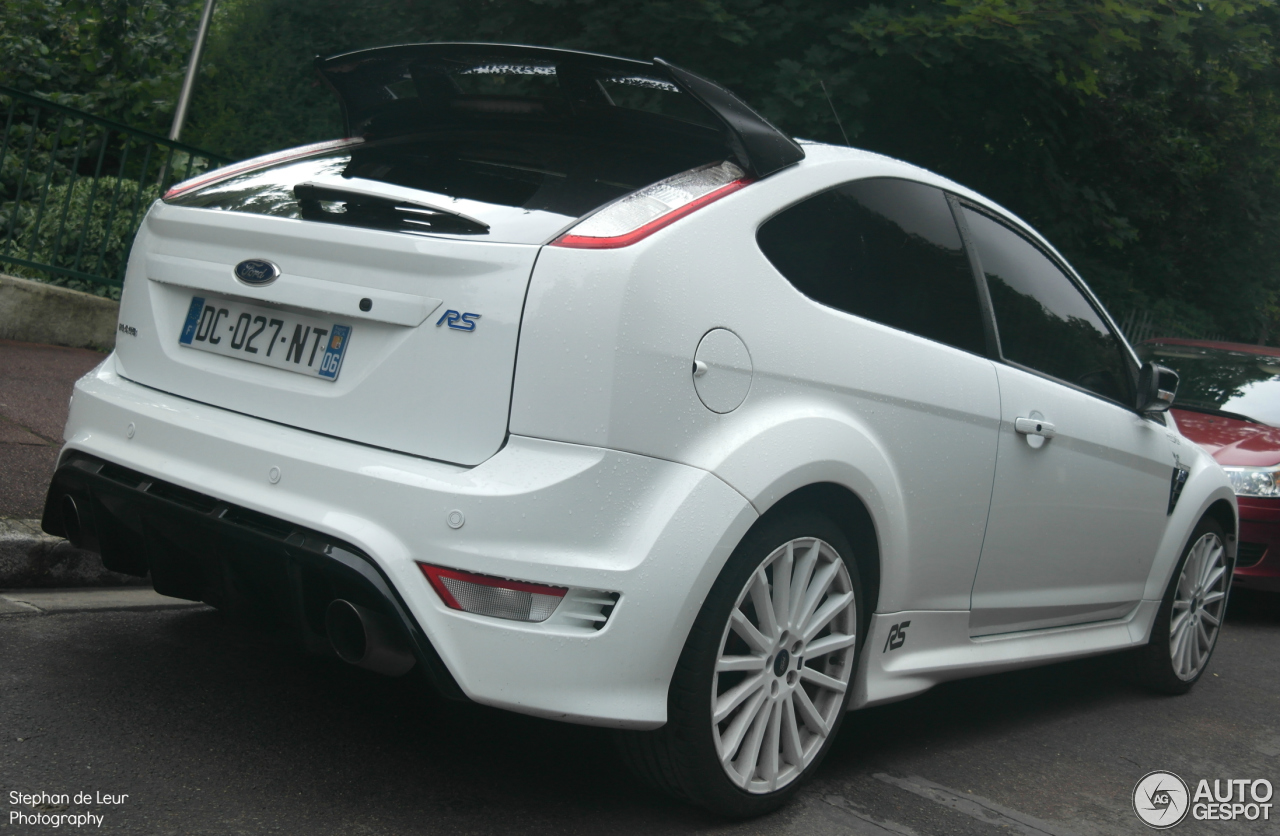 ford focus rs 2009 white edition 21 july 2014 autogespot. Black Bedroom Furniture Sets. Home Design Ideas