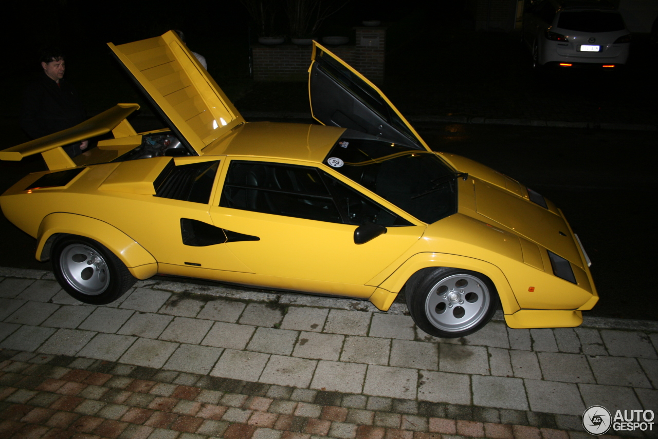 lamborghini countach lp400 s 21 july 2014 autogespot. Black Bedroom Furniture Sets. Home Design Ideas
