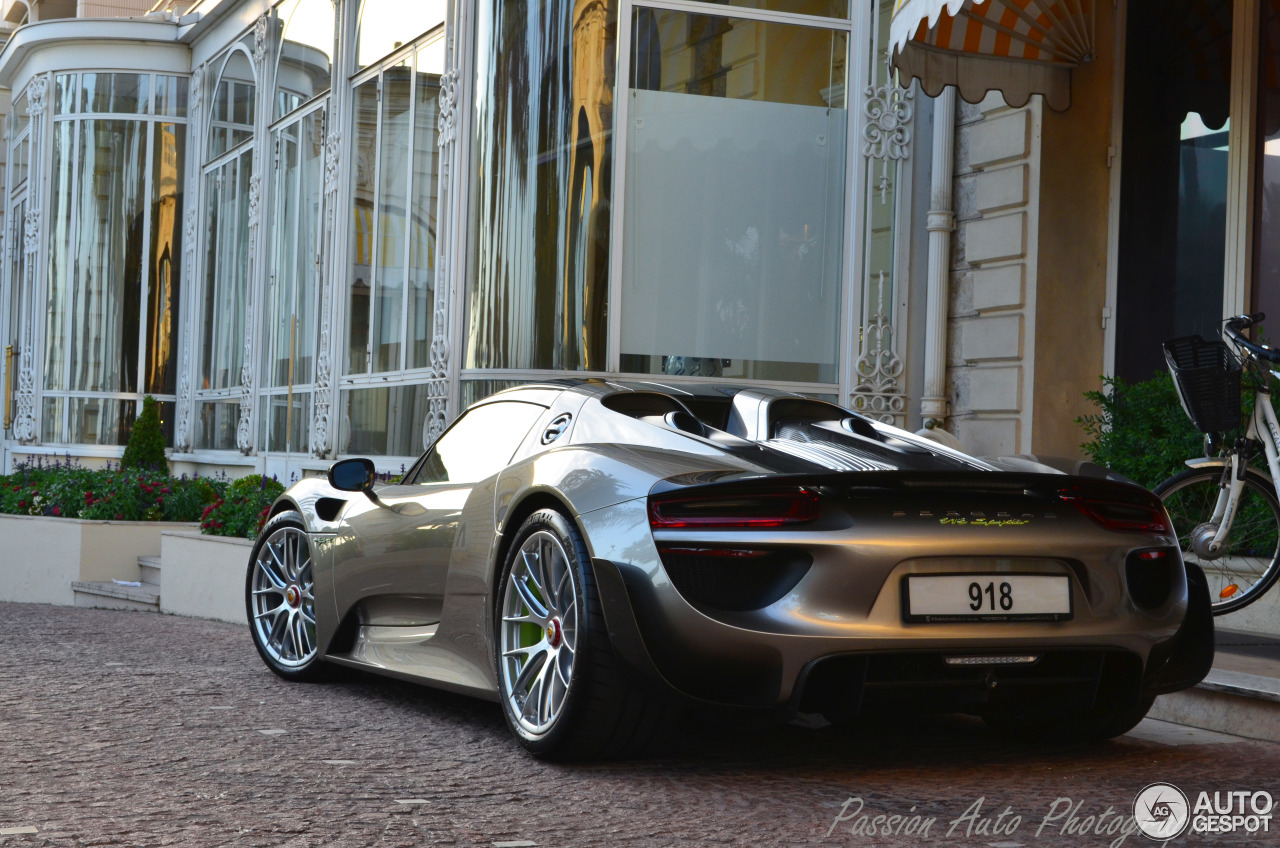 porsche 918 spyder weissach package 21 july 2014 autogespot. Black Bedroom Furniture Sets. Home Design Ideas