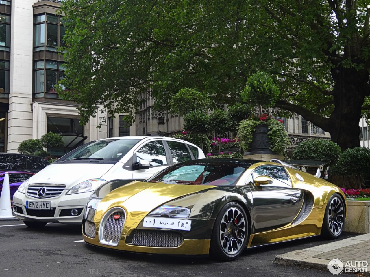 bugatti veyron 16 4 grand sport 23 july 2014 autogespot. Black Bedroom Furniture Sets. Home Design Ideas