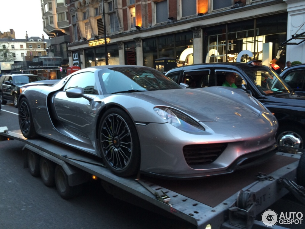 porsche 918 spyder kuwait porsche 918 spyder 2017 prices. Black Bedroom Furniture Sets. Home Design Ideas
