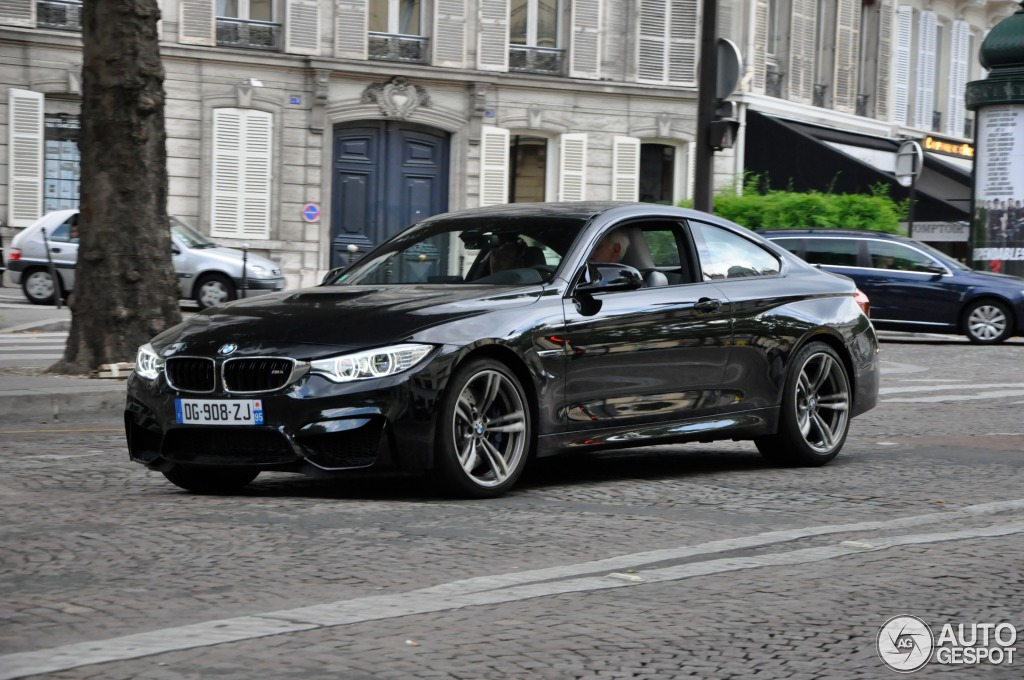 bmw m4 f82 coup 4 ao t 2014 autogespot. Black Bedroom Furniture Sets. Home Design Ideas