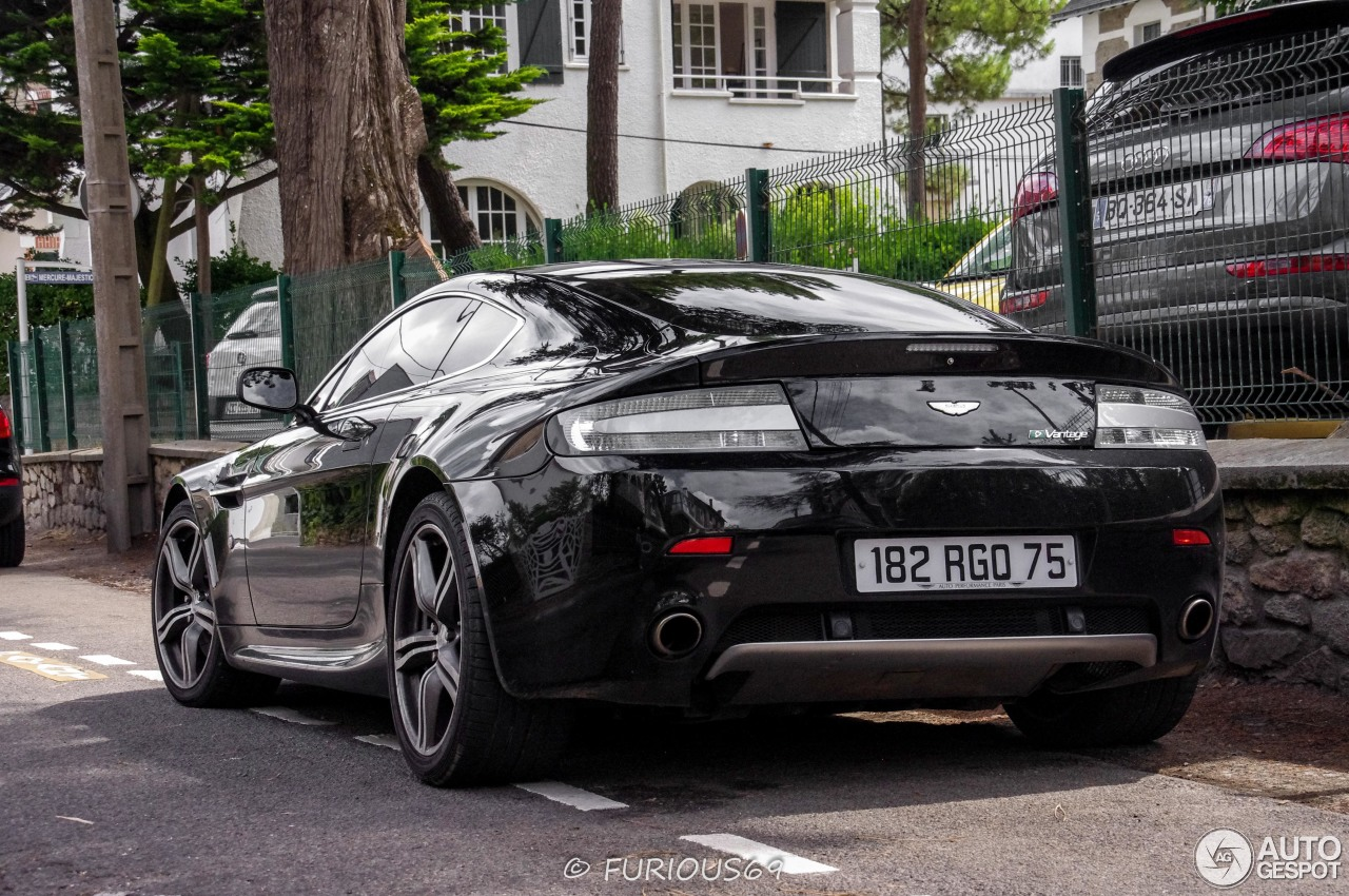 Aston Martin V8 Vantage N400 - 8 August 2014 - Auspot