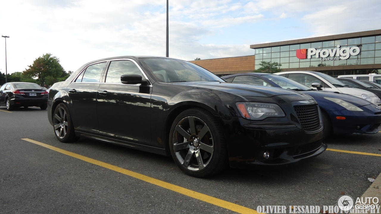 chrysler 300c srt8 2013 8 august 2014 autogespot. Black Bedroom Furniture Sets. Home Design Ideas