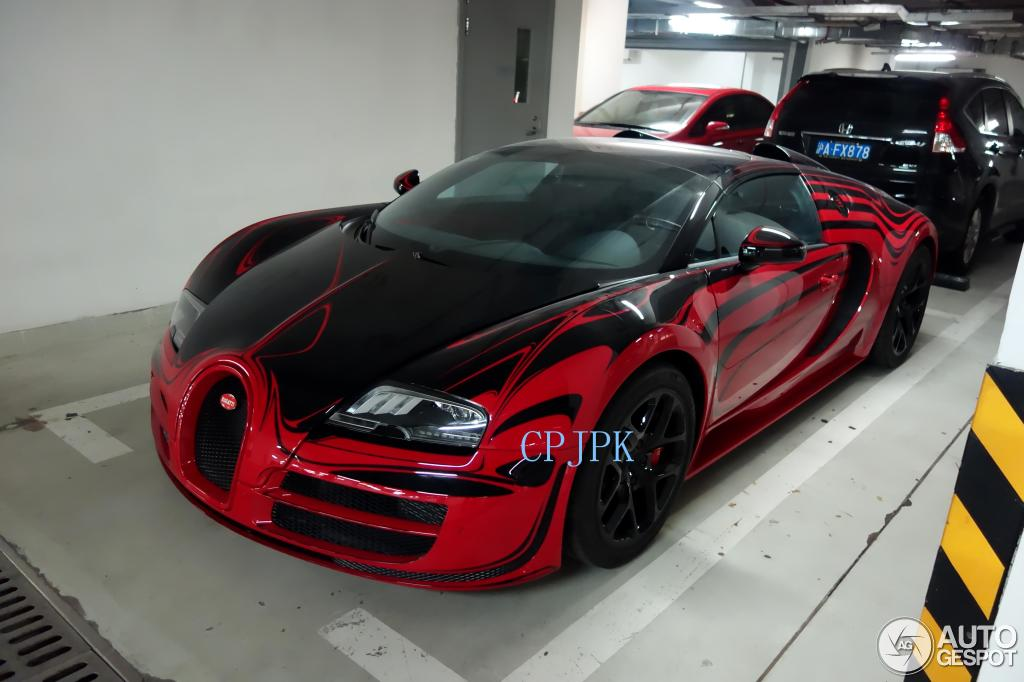 bugatti veyron 16 4 grand sport vitesse l 39 or rouge 11 august 2014 aut. Black Bedroom Furniture Sets. Home Design Ideas