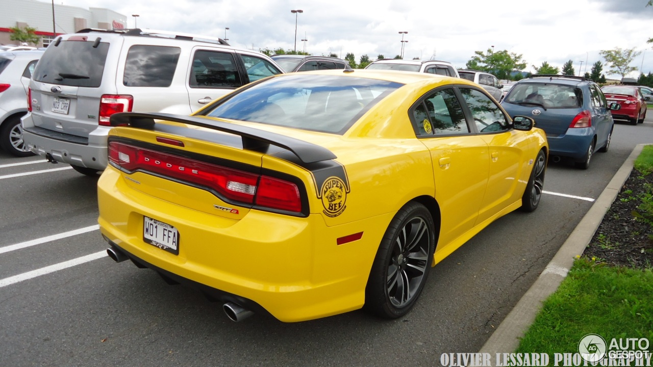 dodge charger srt 8 super bee 2012 17 august 2014. Black Bedroom Furniture Sets. Home Design Ideas