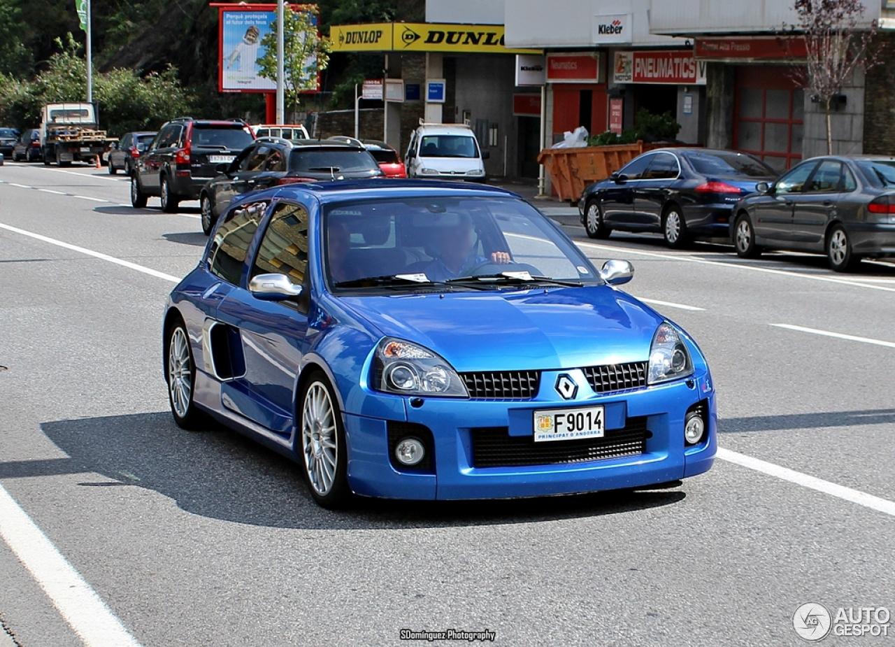 renault clio v6 phase ii 30 august 2014 autogespot. Black Bedroom Furniture Sets. Home Design Ideas
