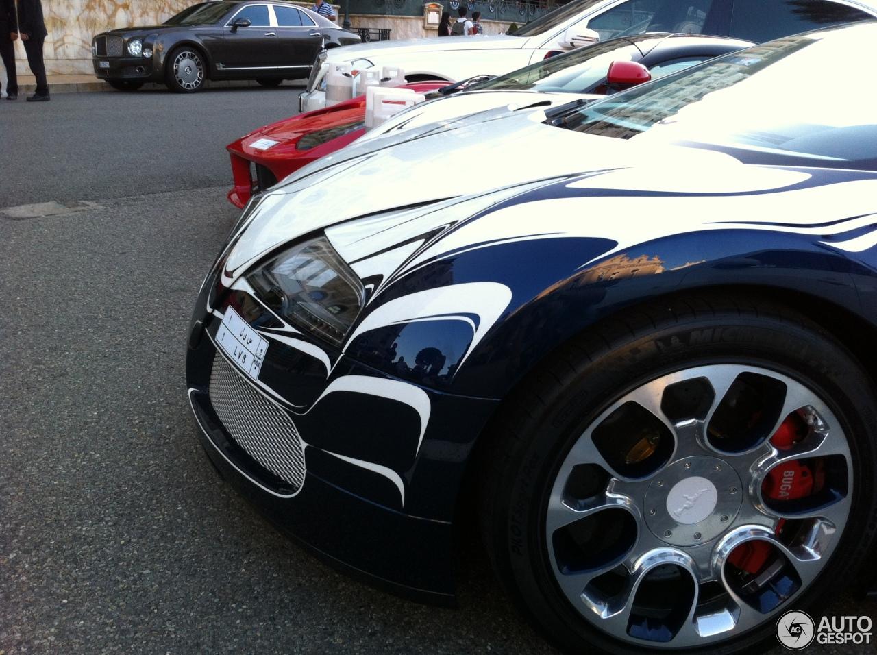 bugatti veyron 16 4 grand sport l 39 or blanc 1 septembre 2014 autogespot. Black Bedroom Furniture Sets. Home Design Ideas