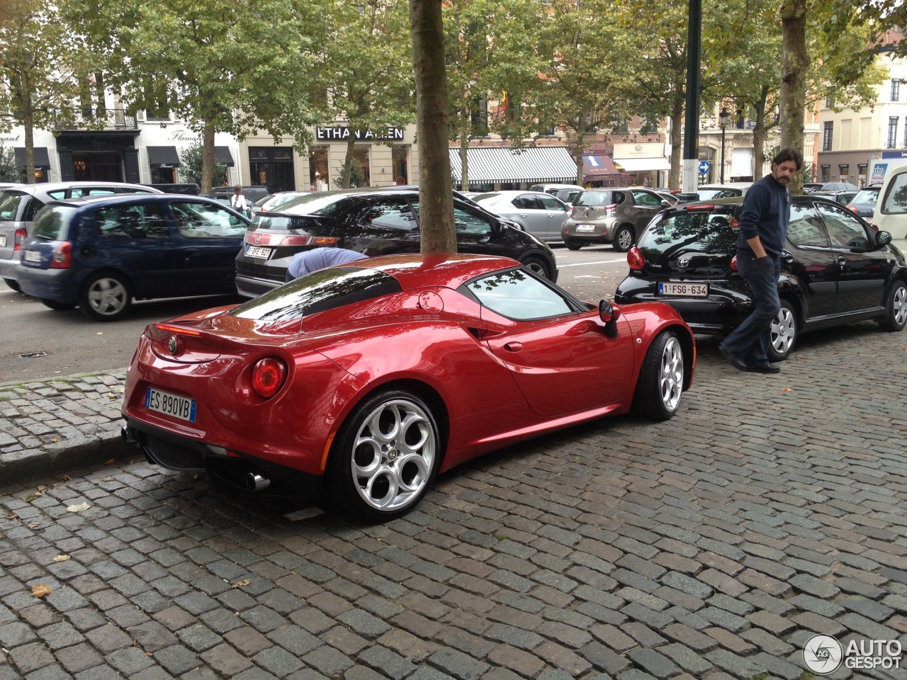 alfa romeo 4c 5 september 2014 autogespot. Black Bedroom Furniture Sets. Home Design Ideas