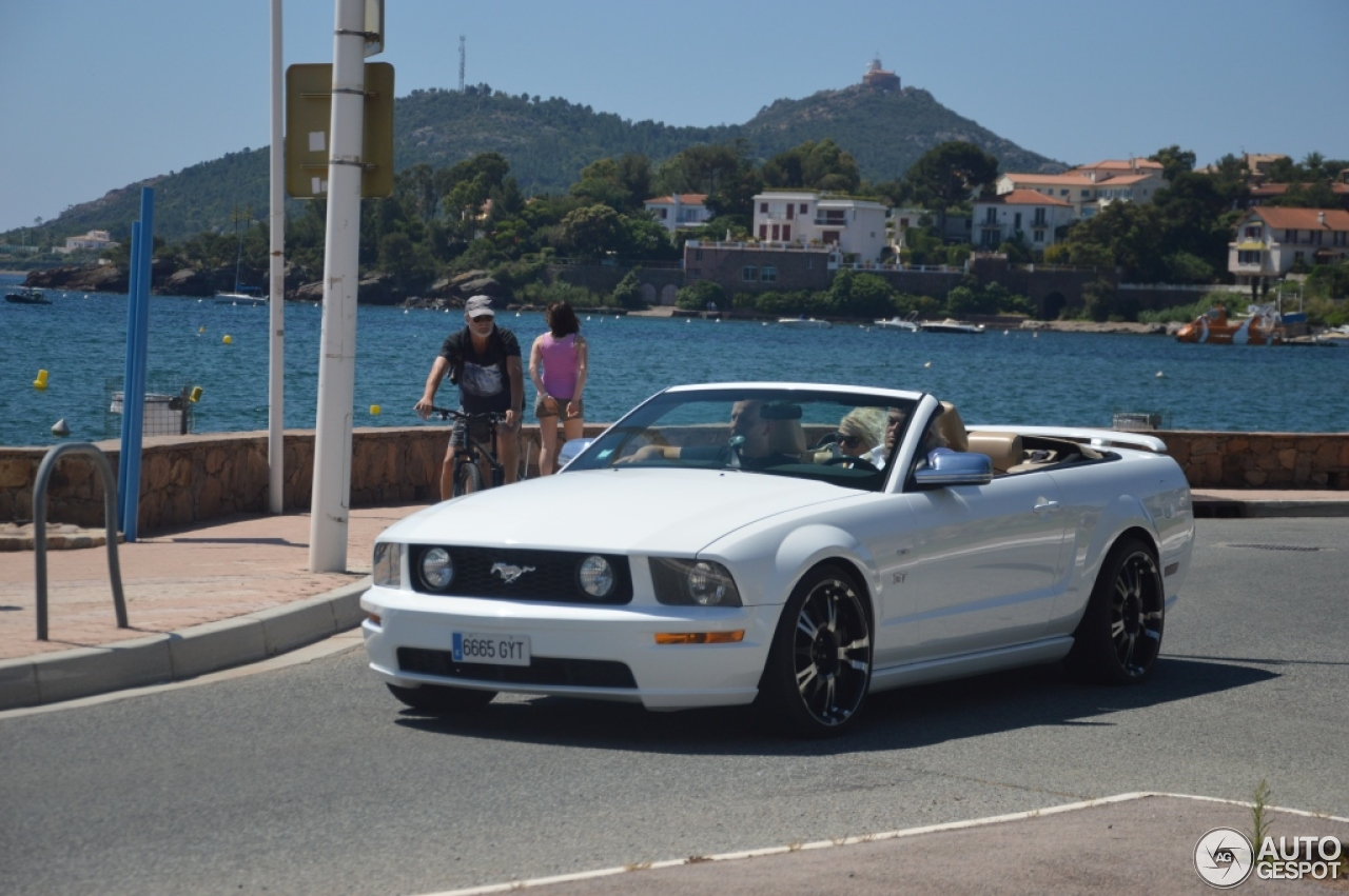 mustang gt 2012 convertible a vendre autos post. Black Bedroom Furniture Sets. Home Design Ideas