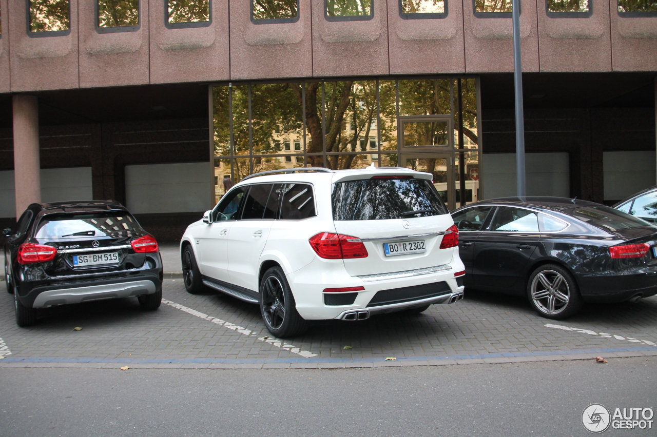 mercedes benz gl 63 amg x166 13 september 2014 autogespot. Black Bedroom Furniture Sets. Home Design Ideas