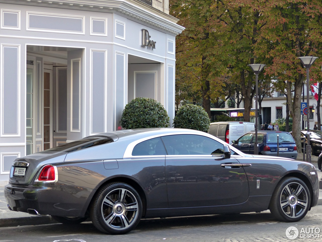 qatari rolls royce wraith in france qatar auto automotive trading cars used and new sale. Black Bedroom Furniture Sets. Home Design Ideas