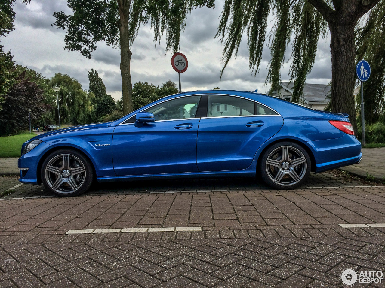 mercedes benz cls 63 amg c218 17 september 2014 autogespot. Black Bedroom Furniture Sets. Home Design Ideas