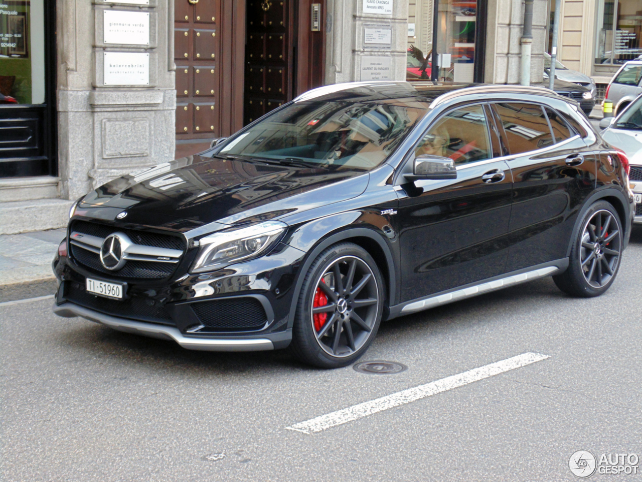 mercedes benz gla 45 amg x156 22 septembre 2014 autogespot. Black Bedroom Furniture Sets. Home Design Ideas