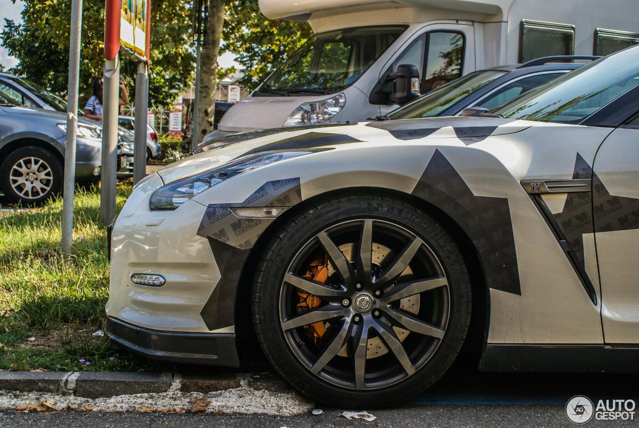 Nissan GT-R 2012 1