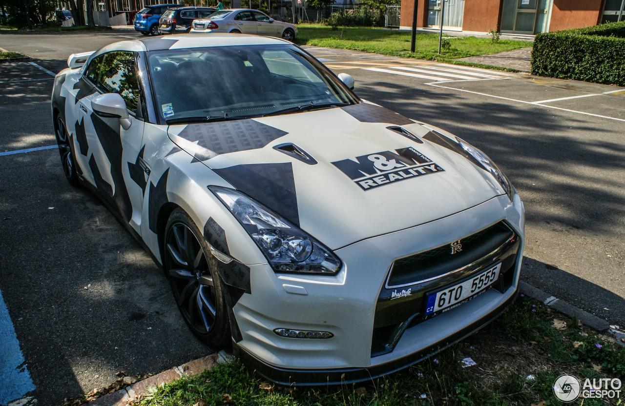 Nissan GT-R 2012 3