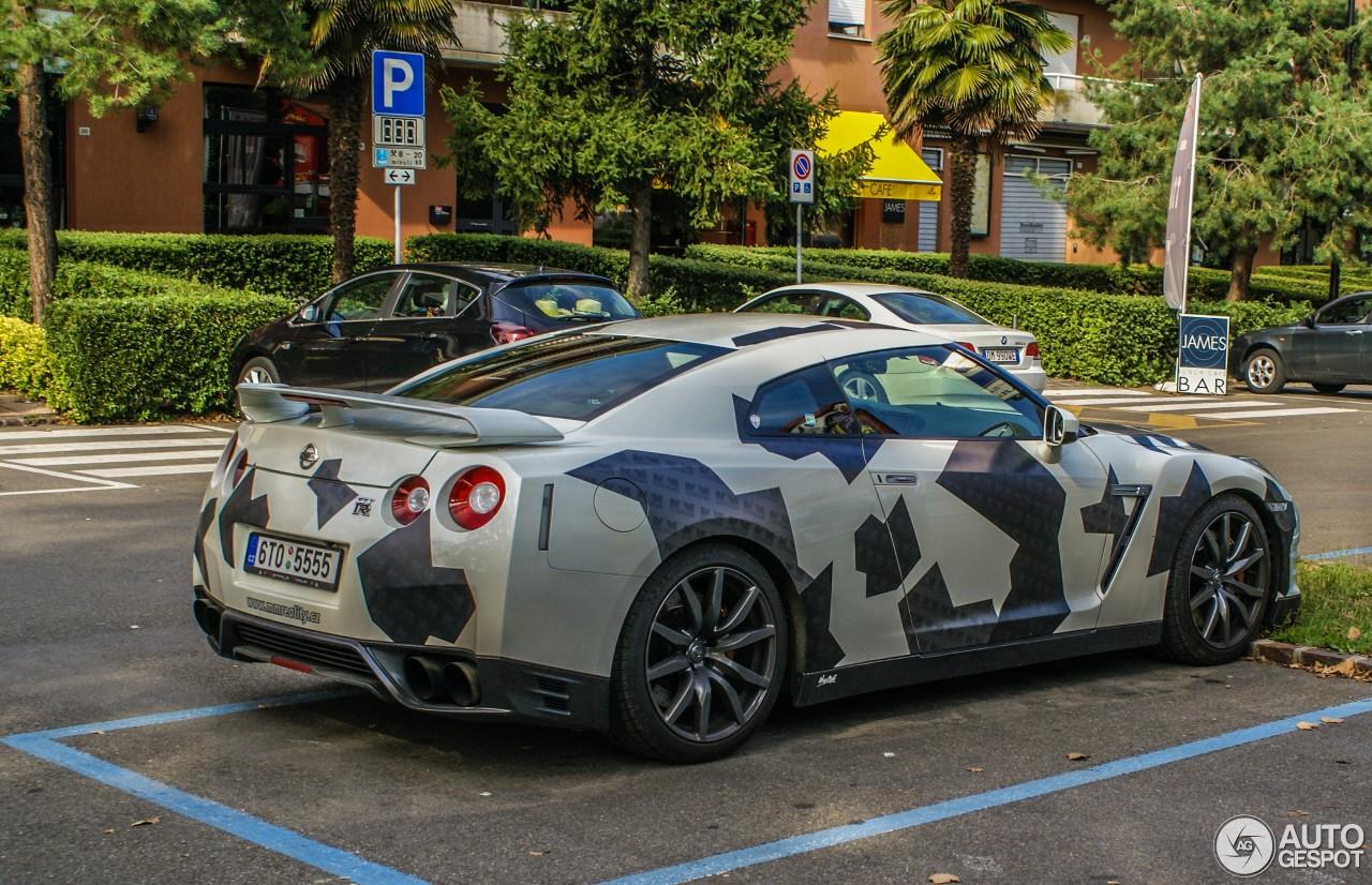 Nissan GT-R 2012 6