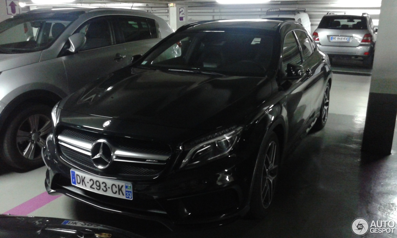 mercedes benz gla 45 amg x156 25 septembre 2014 autogespot. Black Bedroom Furniture Sets. Home Design Ideas