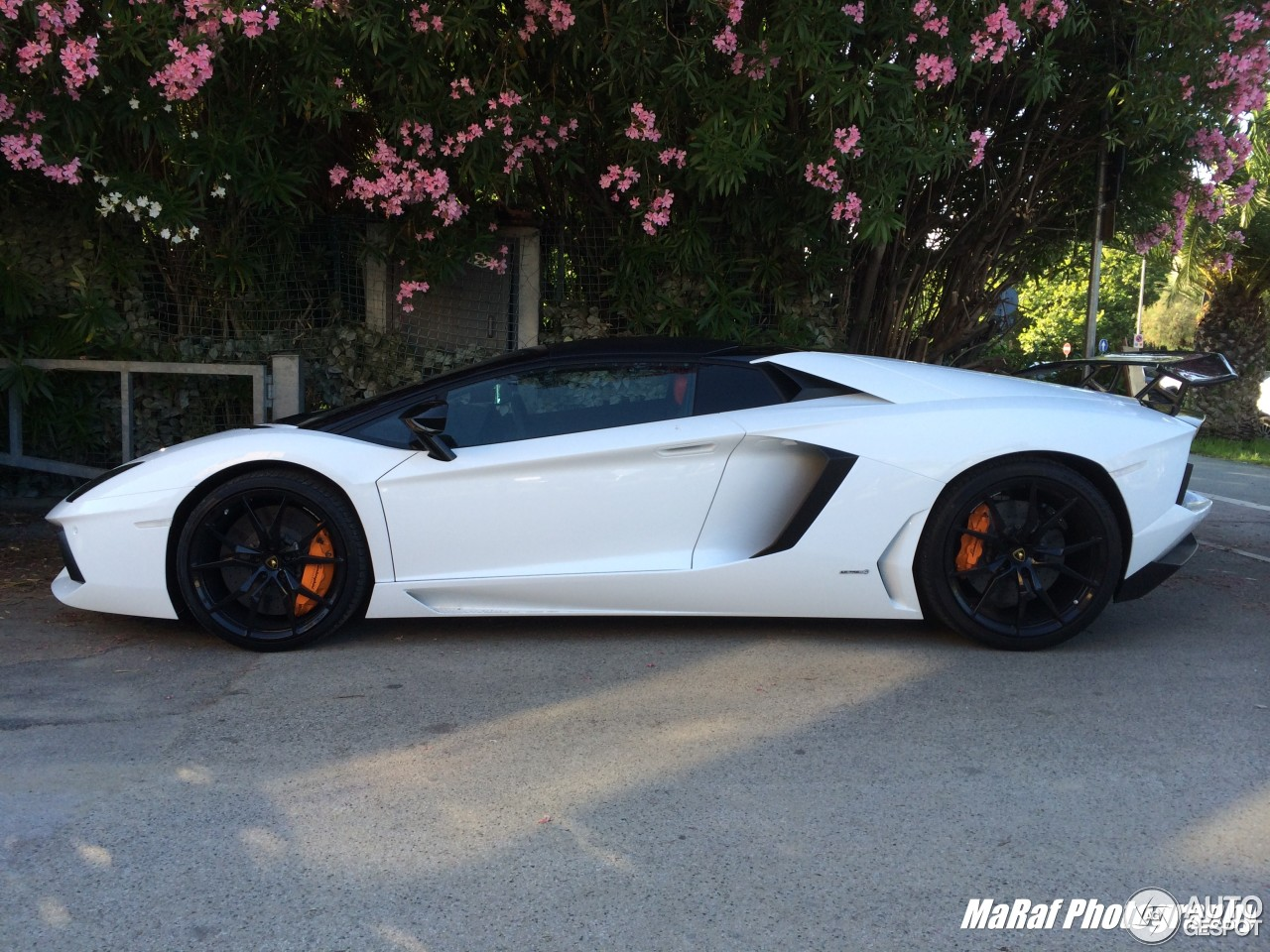 6 i lamborghini aventador lp700 4 roadster 6 - Lamborghini Aventador Roadster White