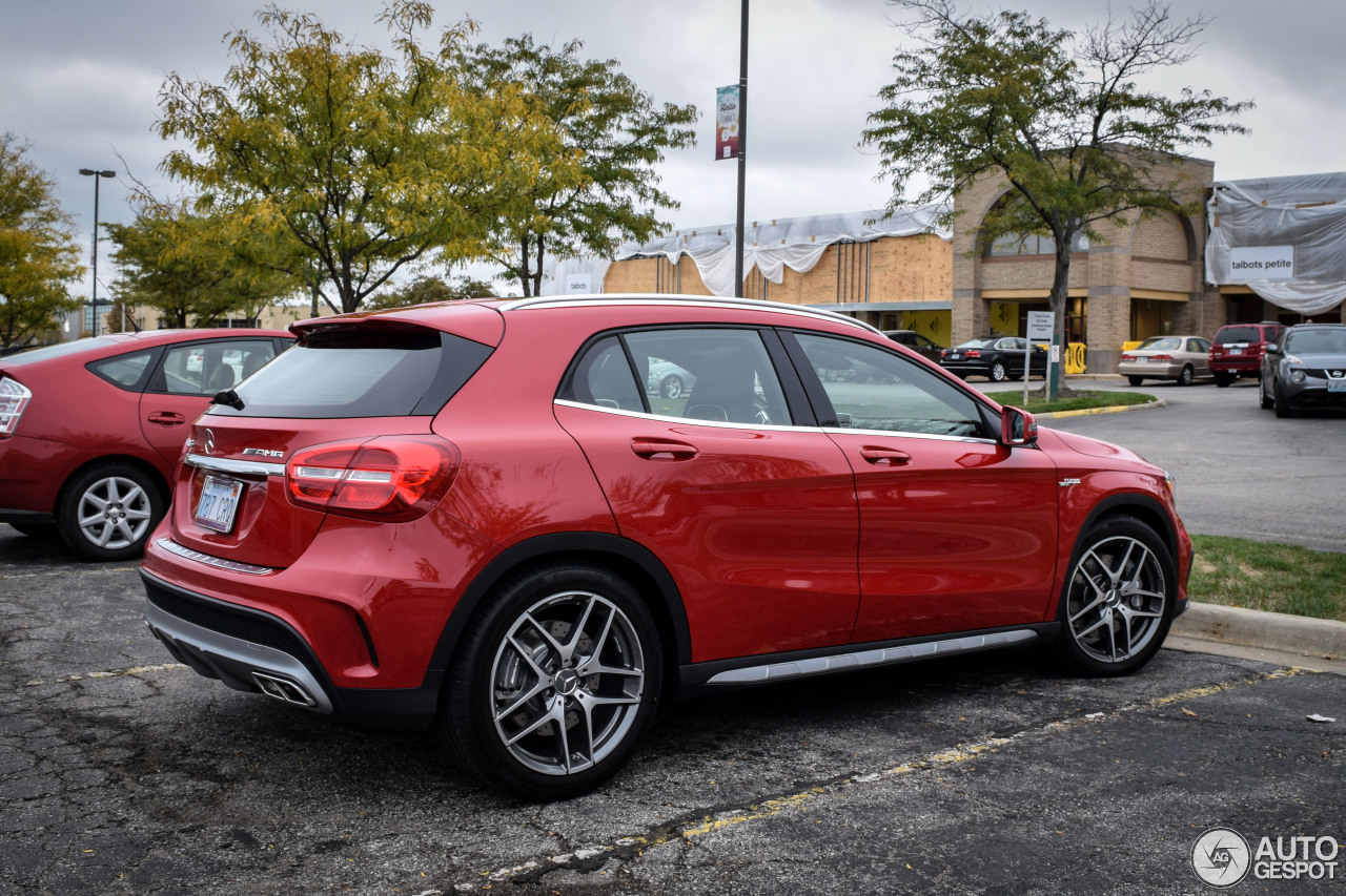 Mercedes benz gla 45 amg x156 13 october 2014 autogespot for Mercedes benz gla 45 amg