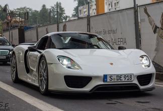 Porsche 918 Spyder Weissach Package