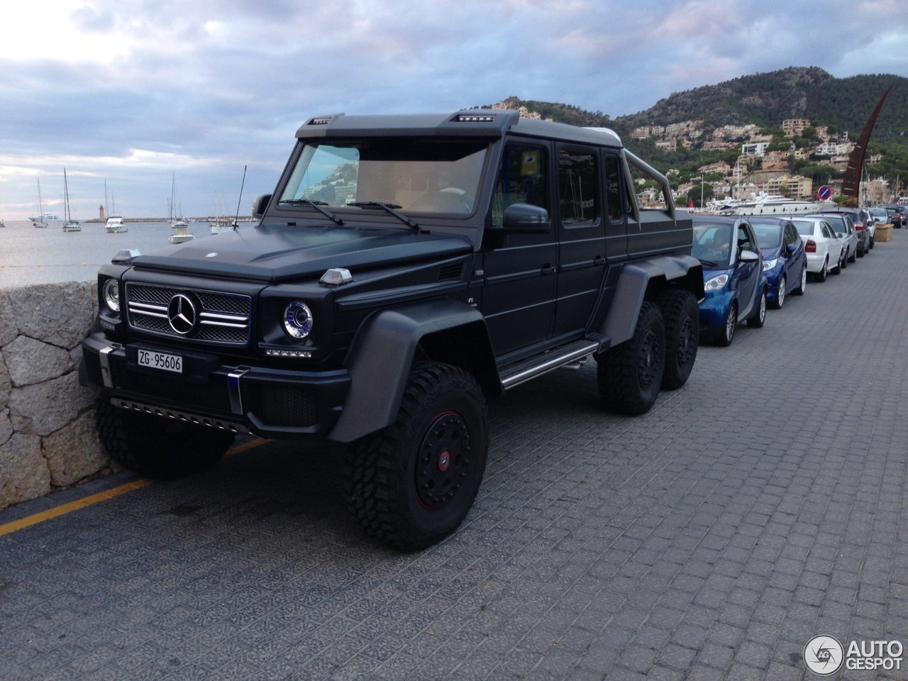 Mercedes benz g 63 amg 6x6 17 october 2014 autogespot for Mercedes benz amg 6x6 price