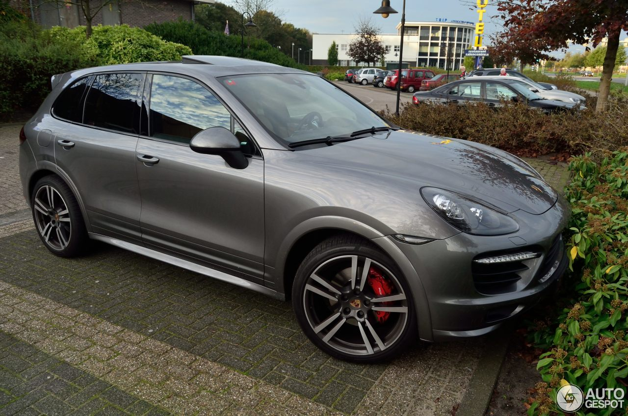 porsche 958 cayenne gts 19 october 2014 autogespot. Black Bedroom Furniture Sets. Home Design Ideas