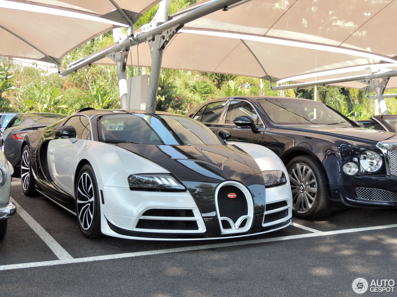 bugatti veyron 16 4 mansory vivere 20 octobre 2014. Black Bedroom Furniture Sets. Home Design Ideas